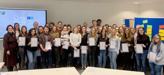 40 Studierende der Gesundheitswissenschaft der Hochschule Furtwangen absolvieren die Abschlussprüfung als Präventologen