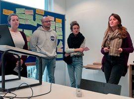 Studierende der Hochschule Furtwangen zeigen Präsentationen